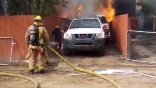 【海外の反応】火災現場でカメラが捉えた決死のワンコ救出劇